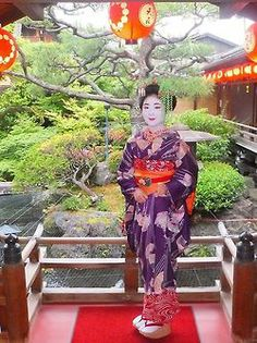 Umesaku (now retired) as minarai of Kamishichiken