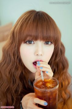 Asian fashion, but her hairr. *_*