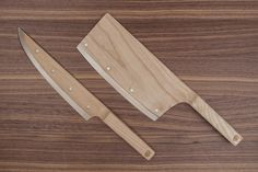 Maple Set Knives - Fresh off their Red Dot design award last year, these knives are up for preorder! Maple on one side and German stainless on the other, they're a unique way to spice up the kitchen. Kitchen Knives, Kitchen Tools, Unique Knives, Wood Knife, Canadian Maple, Red Dot Design, Wooden Kitchen, Kitchen Small, Chef Knife