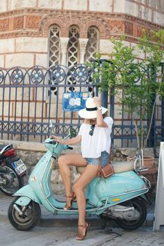 Finding myself a little friend in the streets… http://apairandasparediy.com/2015/05/a-quick-guide-to-athens.html                                                                                                                                                                                 More