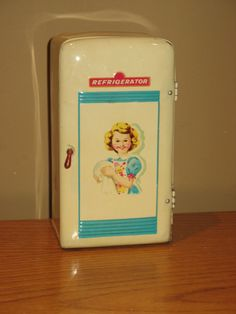 Vintage Metal Wolverine? Tin Refrigerator LITHO 50s Kitchen play toy JAPAN
