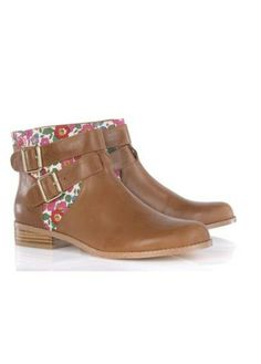 Boots liberty MY 129€