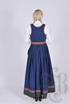 Vestfoldbunad 1932 Folk Costume, Costumes, Norway, Vintage, Style, Fashion, Swag, Moda, Dress Up Clothes