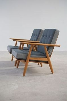 25 Home Decoration Organization and Storage Tips The Modern Warehouse – Furniture – Hans Wegner Cigar Chairs The Best of inerior design in Danish Furniture, Retro Furniture, Mid Century Modern Furniture, Furniture Decor, Furniture Design, Antique Furniture, Furniture Stores, Furniture Dolly, Furniture Logo