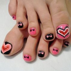 We've already told you how much we love cartoon nails on your hands. Then why not try them on your feet, too? Save a little and pamper yourself by heading to a salon and getting fun, interesting cartoon characters on your toenails. Use nail art brushes and paint pens to make your toes cartoon heads.
