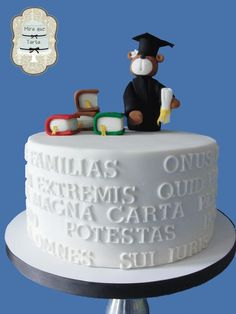 lawyer graduate cake by #miraquetarta