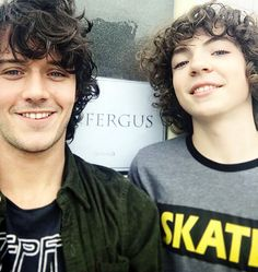 cesardomboy Who said we couldn't mess with time-traveling rules offset ? We'll let you guys prophesy, we gon see the futur first ! 💛 @romannberrux is definitely the best young me I could have hope for 💯 #minime #oldyou #continuum #outlander...