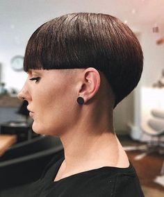 How to cut fringe bangs girls 23 Ideas Bowl Haircuts, Short Bob Haircuts, Bob Hairstyles, Shaved Hair Cuts, Short Hair Cuts, How To Cut Fringe, Fringe Bangs, Sideburns, Bowl Cut