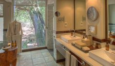 New-a-South-Africa-Safri-at-andBeyond-Phinda-Forest-Lodge-3
