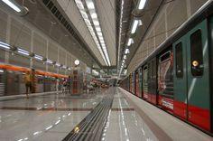 Xωρίς Μετρό και Ηλεκτρικό θα μείνει για τρεις ώρες την Πέμπτη η Αθήνα, μετά την απόφαση των εργαζομένων να πραγματοποιήσουν προειδοποιητική Στάση