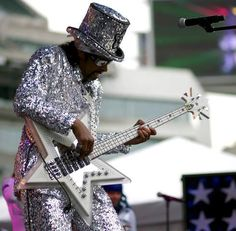 Bootsy loves to dress! Bootsy Collins, Parliament Funkadelic, George Clinton, Soul Music, Bass, Musicals, Legends, Religion, Icons