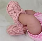Baby's First Booties Bootees - via @Craftsy