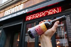 NO LABEL - THE WORLD'S FIRST NON–BINARY, TRANSGENDER BEER