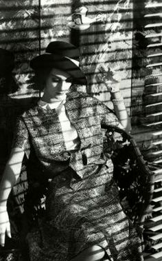 Paris, for Vogue 1961 by Frank Horvat History Of Photography, Vintage Fashion Photography, Photography Women, Paris 1920s, Frank Horvat, Marguerite Duras, Fantastic Mr Fox, Ansel Adams, Parisian Chic