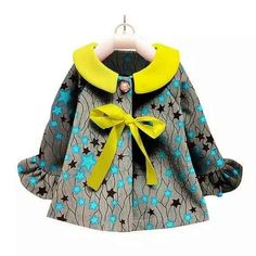 Kid Styles 394698354833438234 - Africain impression Ankara enfants manteau Source by larondelvira Baby African Clothes, African Dresses For Kids, Latest African Fashion Dresses, African Print Dresses, African Print Fashion, African Attire, African Wear, Ankara Styles For Kids, Kid Styles