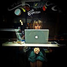 Starbucks & Mac Book