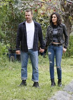 Turns out its not Daniela and Chris, but Kensi and Callen. There are hearts in my eyes <3
