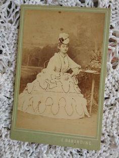 Antique Austrian CDV/visit card,lady in unique dress, Wien Emil Rabending 1870s' Antique Photos, Vintage Photos, Emil, Biggest Chicken, Victorian Men, Rabe, Photos Of Women, Unique Dresses, Corsets