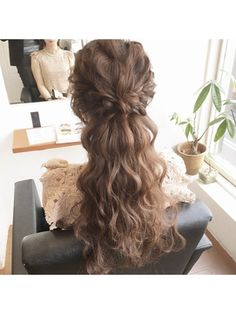 【PuraVida】結婚式ハーフアップアレンジ♪by長澤 Dinner Hairstyles, Bride Hairstyles, Pretty Hairstyles, Hairdo Wedding, Wedding Hair Flowers, Flowers In Hair, Special Occasion Hairstyles, Hair Arrange, Hair Setting