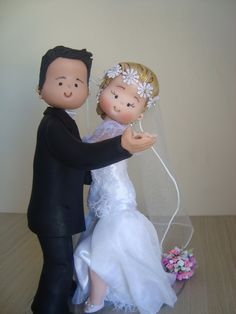 .bride and groom cake topper