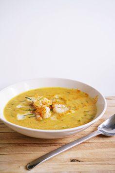 Paleo Kürbis-Kokos-Suppe mit Garnelen | Suppenrezept ohne Gluten und Milch