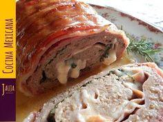 Rollo de Carne Molida con Tocino. Rollo de Carne Molida con Tocino de Jauja Cocina Mexicana. Rollo de carnes de res y puerco molidas, relleno con jamón, queso y espinaca, y envuelto en tocino. Receta completa, ingredientes, y técnicas paso-a-paso de cómo hacer Rollo de Carne jugoso, suavecito y cocinado a la perfección. Fácil de preparar, y una tradición sabrosísima en comidas, cenas y festejos familiares. Buen provecho. https://www.youtube.com/user/JaujaCocinaMexicana