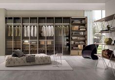The wardrobe for the bedroom // L'armadio per la camera da letto.