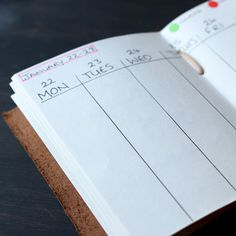Lois from team Scaramanga has added a page to her bullet journal to keep up to date with her tasks for the week. This is a great way to remind yourself of what you have planned for the week. Positive Mind, Leather Journal, Journals, Presents, Bullet Journal, How To Plan, Blog, Vintage, Gifts
