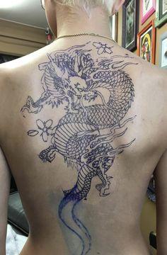 Dragon back tattoo @ameliaboardman_ #dragon #tattoos