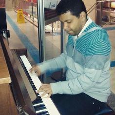 #Piano na estação