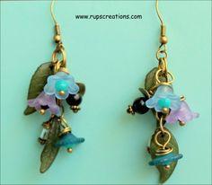 lucite dangling flowers earrings