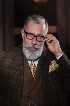 #Photos_Jana_Madzigon #Tanzcafe_Jenseits #silverfox #over_50 #50+ Male Eyes, Eye Glasses, Men's Style, 50th, Mens Fashion, Photos, Eyewear, Male Style, Moda Masculina