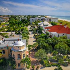 At the very southern tip of St. Pete Beach, in Florida you'll find the tiny town of Pass-a-Grille. Places In Florida, Florida Beaches, Pass A Grille Beach, St Petes Beach Florida, Bradenton Florida, Madeira Beach, Yellowstone Vacation, St Pete Beach, Beach Adventure