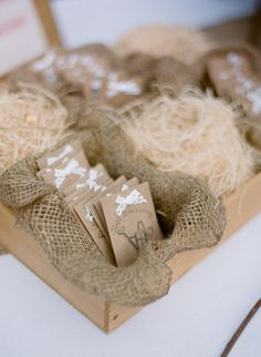 Seed Packet Favors - Rustic Presentation is really nice!