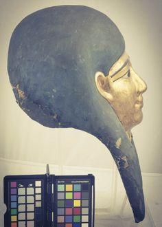 Maschera egizia (Museo di Civita Castellana) (8 foto) Backstage riprese fotografiche di una maschera egizia conservata al Museo di Civita Castellana. Shooting an ancient egyptian mask. Photo FBC (C) SBAEM/MiBACT #culturalheritage #egypt #ancient #archaeology #photography #mask