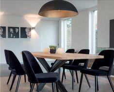Tafel en stoelen uit de collectie van Norr11, verkrijgbaar bij Top ...