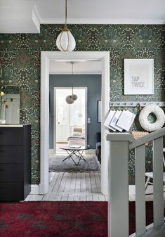Hallway with William Morris wallpaper in a beautiful Swedish house dating back to the William Morris Wallpaper, Morris Wallpapers, William Morris Tapet, Wallpaper Azul, Pattern Wallpaper, Wallpaper Quotes, Oval Room Blue, 1920s House, Rustic Wood Walls