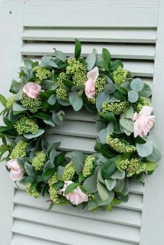 wreath with ivy and pink roses