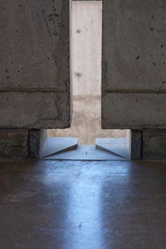 John Pawson - Louis Kahn's 'façade to the sky' - Architecture Concrete Architecture, Chinese Architecture, Classical Architecture, Architecture Details, Interior Architecture, Landscape Architecture, Ancient Architecture, Sustainable Architecture, Louis Kahn