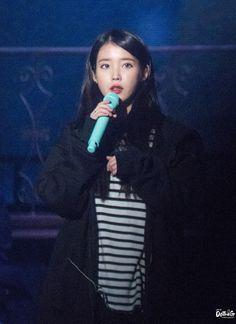 181028 dlwlrma 부산콘서트 아이유 직찍 by DoTheG Korean Women, Landline Phone, Asian Girl, Concert, Girls, Kpop, Beautiful, Asia Girl, Toddler Girls