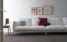 """l divano componibile TAYLOR di #Calligaris è connotato da dettagli sartoriali che si esprimono, in particolar modo, nel bordino a vista con cucitura a """"punto-croce"""". I soffici cuscinoni in misto piuma della seduta e dello schiennale offrono un piacevole comfort nell'uso quotidiano senza rinunciare all'eleganza. La struttura è composta da un basamento visivamente sottile ma resitente, con piedini in alluminio. Versatile grazie ad un ampio programma di sedute componibili che include anche…"""