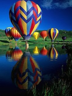"""HOT AIR BALLOONS.""             NOTE: THERE ARE NO OTHER HOT AIR BALLOON IMAGES IN THE ""VISIT/READ IT"" SECTION OF THIS PIN, AS FAR AS I CAN TELL."