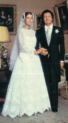 Love her bridal headpiece, not so much her gown. Princess Caroline of Monaco marries French playboy Philippe Junot. They would later divorce and Caroline would have two more husbands, Stefano Casiraghi and Prince Ernst August of Hanover. Famous Wedding Dresses, Royal Wedding Gowns, Celebrity Wedding Dresses, Princess Wedding Dresses, Royal Weddings, Celebrity Weddings, Bridal Gowns, Patricia Kelly, Grace Kelly