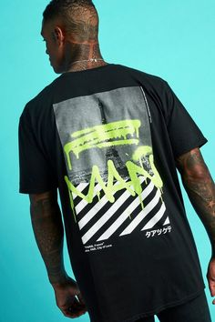 Shop the latest prints and shapes in your t-shirts and vests at boohooMAN. Browse men's t-shirts, vests and polos in the boohooMAN collection today! Types Of T Shirts, Cool Shirts, Cool Tees, Oversized Tshirt Outfit, Graffiti Paris, T Shirt Custom, Top Streetwear, Streetwear Brands, Streetwear Fashion