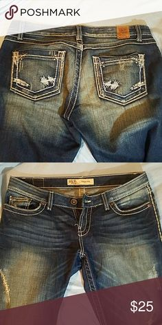 Buckle jeans Barley worn in good shape. Buckle Jeans Boot Cut