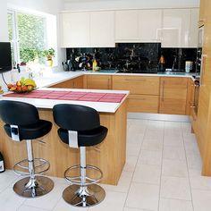 U shaped kitchen knock through