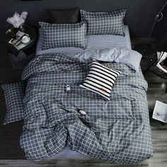 Want to create a dark and moody bedroom. the use this bedroom for inspiration. this bedroom is dark, modern and masculine. Its mysterious and wants to be unraveled. Great idea for teenage boys bedroom.
