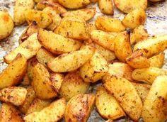 Fűszeres sült krumpli recept Real Food Recipes, Vegetarian Recipes, Cooking Recipes, Healthy Recipes, Hungarian Recipes, Good Food, Yummy Food, Vegetable Side Dishes, Meals For The Week