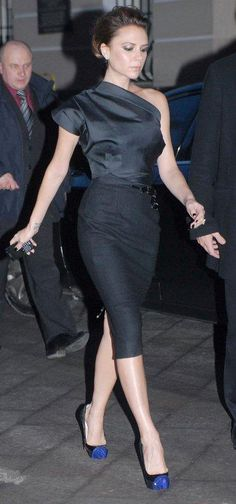 Who made Victoria Beckham's crystal blue and black shoes and black one shoulder dress that she wore to the Bolshoi Theatre in Moscow, March 24, 2010? Shoes – Christian Louboutin Calypso  Dress – Victoria Beckham Asymmetric Corset