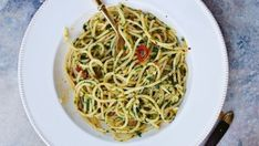 Spaghetti al peperoncino - Recipe - Gino D'Acampo ITV Gino's Italian Escape, Italian Express, Chilli Pasta, Gino D'acampo, Vegetarian Recipes, Cooking Recipes, Drink Recipes, Baked Falafel, Garlic Pasta
